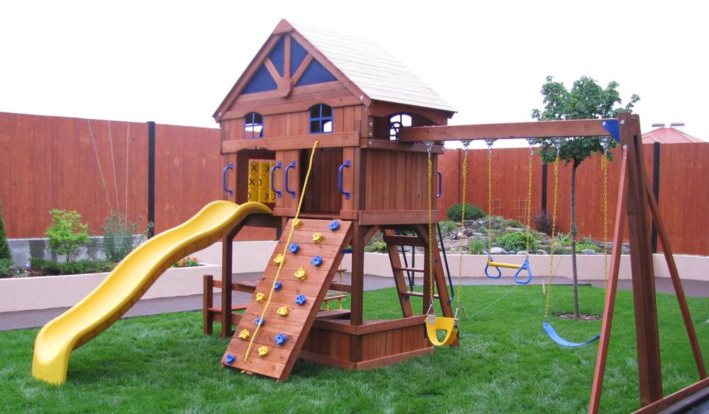 как построить детскую площадку даче