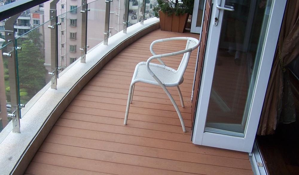 какой пол на балконе лучше
